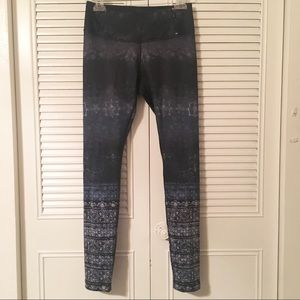 CALIA by Carrie Underwood tight sport pant